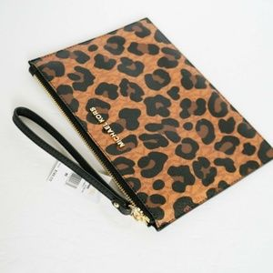 Michael Kors Leopard XL Wristlet New With Tag